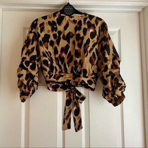 Leopard print ruffle cropped blouse
